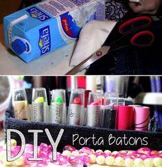 Faça um porta-batons com uma caixa de leite. | 26 ideias geniais para organizar seus itens de maquiagem