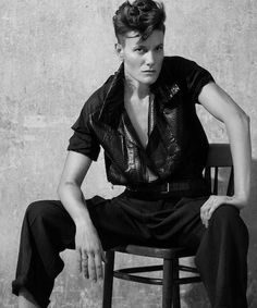 Casey Legler Is A Female Activist In Men's Clothing You NEED to know about this incredible female male model Androgynous Models, Androgynous Fashion, Androgyny, Tomboy Fashion, Fashion Models, Tomboy Style, Fashion Hats, Fashion Accessories, Male Models Poses