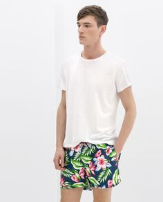 Zara men's swim trunks: the print edit summer looks for men, mens boardshor Summer Looks For Men, Mens Swim Shorts, Jolie Lingerie, Mens Boardshorts, Zara Man, Man Swimming, Swimsuits, Swimwear, Swim Trunks