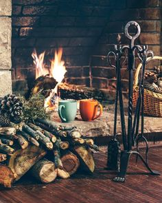 Cold winter days call for warm cabin fires ❄️ #fireplace