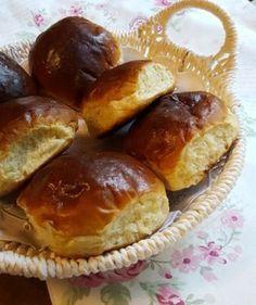 Myke hveteboller Homemade Dinner Rolls, Norwegian Food, Piece Of Bread, No Bake Cake, Granola, Sweet Treats, Food And Drink, Cooking Recipes, Yummy Food