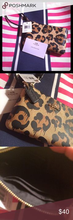 NWT COACH WRISTLET This is new and was suppose to be a gift for my daughter but arrived so later I had to buy something similar .  It is super cute and a good  size to fit the basics . Item comes from smoke free home Coach Accessories Key & Card Holders
