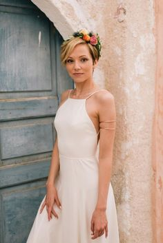 Flower crown- Pixie bridal hair -Bohemian & modern wedding in Santorini, Greece | Tie the Knot in Santorini