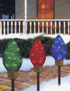 1000 images about outside christmas decorations on for Sidewalk christmas lights