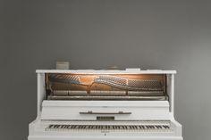 Piano // Jubilat . miejsce + spotkań (Poznań, 2015/2016). Projekt: Grzegorz Dąbkowicz OP. Foto: Krzysztof Nowak. #calothropos