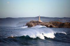Faro de la isla de Mouro, Santander  | Cantabria | Spain