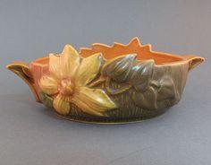 Roseville clematis bowl Weller Pottery, Rookwood Pottery, Roseville Pottery, Mccoy Pottery, Pottery Art, Vintage Crockery, Vintage Vases, Vintage Pottery, Vintage Ceramic