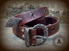 Cintura medievale in cuoio goffrato di LaborARTorIA su Etsy