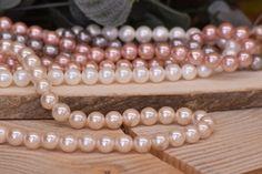 Χάντρες Πέρλες Φυσικές Vintage Pink 8mm 48τεμ. BD3182-217  Χάντρες πέρλες φυσικές σε χρώμα vintage pink.Διάμετρος: 8mmΗ συσκευασία περιέχει 48 τεμάχια. Beaded Bracelets, Jewelry, Vintage, Fashion, Jewellery Making, Moda, Jewels, Fashion Styles, Pearl Bracelets