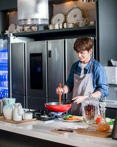 Yoo Seung Ho, Asian Actors, Korean Actors, Robot 2017, Korean Words, Tumblr Photography, Cute Korean, Korean Drama, Dramas