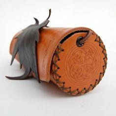 Handmade Leather Bag-Celtic Knot-Elf-fantasy-Elven-Lorien-LOTR-Pixie-Leaf bag-Leather leaf-Natural Leather Purse by ForgianticaLeather