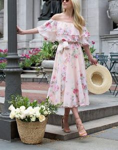 Once the temps start rising, summer dresses are ideal. Here's how to choose the style that flatters your body the most. Best Summer Dresses, Summer Outfits, The Dress, Dress For You, Half Sleeve Dresses, Women Lifestyle, Tall Women, Cheap Dresses, Body Types