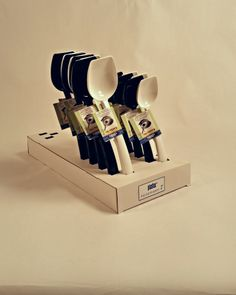 Suomessa valmistetut kauhat nyt saatavilla myös displayssä! Knife Block, Kitchen, Cooking, Kitchens, Cuisine, Cucina