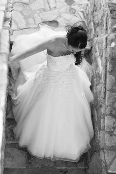#bride #weddingdress #weddings at Bel Air Bay Club #belairbayclub #belairbayclubweddings #pacificpalisades Photo by Michael Segal Photography #michaelsegal #michaelsegalphotography #michaelsegalweddings