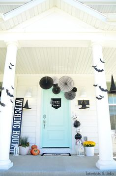 Create a witch theme for your halloween home decor this year with a DIY sign, hanging hats and door garlands and other spooky ideas! Halloween Front Doors, Halloween Porch, Halloween Home Decor, Halloween Projects, Holidays Halloween, Halloween Decorations, Spooky Halloween, Halloween Ideas, Adult Halloween Party