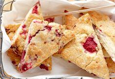 Scones aux framboises | Coup de Pouce Muffins, Brunch, Bon Dessert, Fruit Bread, Soda Bread, Quick Bread, Sweet Tooth, Nutrition, Healthy Recipes