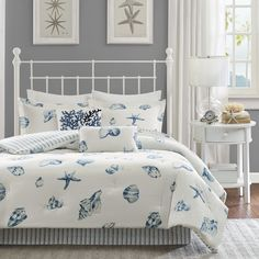 Bring a sense of the sea side into your home with this beautiful, casual Beach House bedding collection. The shell pattern is printed in shades of blue onto a white, cotton brushed twill.