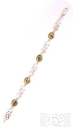 Sterling Silver horse hair bracelet, horse hair set in resin in four oval settings. Horse Hair Bracelet, Horse Hair Jewelry, Hair Jewellery, Silver Horse, Hair Setting, Anklets, Resin, Horses, Sterling Silver