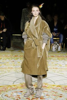 Andreas Kronthaler for Vivienne Westwood Fall 2017 Ready-to-Wear Collection Photos - Vogue