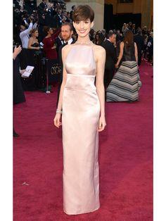 Anne Hathaway wears PRADA at Oscar Award 2013