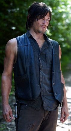 17 Sleeveless Photos of Daryl Dixon.....thank you very much!!!!