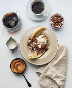 Banana split – like breakfast food! Paleo Breakfast, Breakfast Recipes, Banana Breakfast, Food Porn, Good Food, Yummy Food, Luxury Food, Sorbets, Food Inspiration