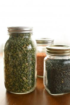 9 Foods to Stock in Your Pantry in 2012 on http://www.simplebites.net