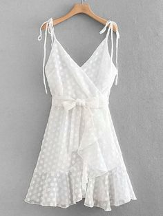a707db92fe191 7 Best White Cami images | Outfits, Woman fashion, Dressing up