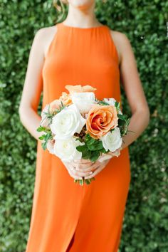 Orange and white bouquet: http://www.stylemepretty.com/2014/06/17/modern-and-whimsical-orange-wedding-in-australia/ | Photography: Kate Robinson - http://www.katerobinsonphotography.com/