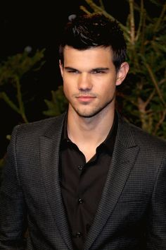 One of those things that makes a mid life gal feel so damn dirty!! Yes, I am part of the Taylor Lautner Wolf Pack, though I absolutely cannot sit through a Twilight longer than 5 minutes.