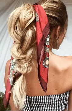 Spring Hair Trends Long Hair Looks Trends for long hair braids for long hair how to do my hair what to do with my hair long hair ideas ideas for long hair style boho bohemian wavy hair Ponytail Hairstyles, Pretty Hairstyles, Braided Ponytail, Bohemian Hairstyles, Teenage Hairstyles, Amazing Hairstyles, Updo Hairstyle, Hairstyle Ideas, Big Ponytail