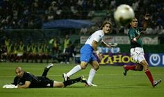 Mexico 1 Italy 1 in 2002 in Oita. Francesco Totti looks on as his effort goes wide in Group G #WorldCupFinals