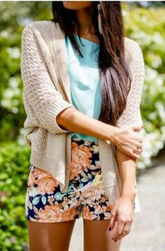"Absolutely  loooove this outfit perfect ""out for the day"" spring outfit"