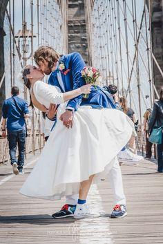 Kurzes Brautkleid 50er bei einer Hochzeit in New York (www.noni-mode.de - Foto: Jenny Egerer)