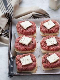 Daddy's Oven Baked Hamburgers Recipe Baked Hamburgers, Oven Baked Burgers, Turkey Burgers, Cooking Hamburgers, Mini Burgers, Cheeseburgers, Veggie Burgers, Hamburgers On The Stove, Best Grilled Burgers