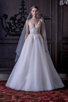 vestido de noiva Ella com caia princesa e top bordado de alsas finas de monique lhuiller primavera 2016