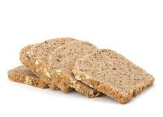Pão de forma Dukan Ingredientes . 1 colher (sopa) de farelo de trigo . 2 colheres (sopa) de farelo de aveia . 1 colher (sopa) de queijo branco 0% de gordura . 1 colher (chá) rasa de fermento em pó . 1 ovo Modo de preparo Misture o farelo de trigo com o farelo de aveia, para obter uma massa mais enfarinhada. Coloque os farelos em um recipiente e acrescente o queijo branco com 0% de gordura, o fermento em pó e o ovo. Misture tudo e asse por 4 minutos no micro-ondas. Desenforme e deixe esfriar.