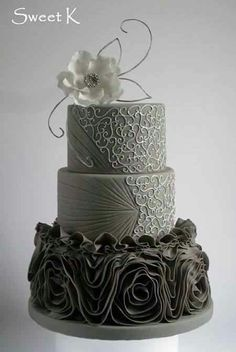 Son Bashi is getting married in August. Colors are grey,white and purple. Isn't this cake lovely? Ruffle silver cake Cake by Karla (Sweet K) Gorgeous Cakes, Pretty Cakes, Cute Cakes, Amazing Cakes, Crazy Cakes, Fancy Cakes, Silver Cake, Ruffle Cake, Ruffles