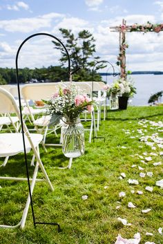 The Windermere House on Lake Rosseau was the setting for a vintage garden filled with personal details.