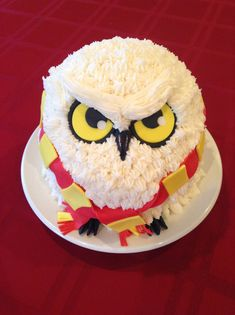 Harry Potter Hedwig cake made by Valerie O'Cakes