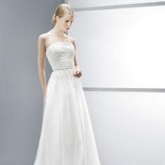 Wedding dresses - Jesús Peiró. Also comfort.