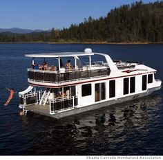 Rent a House Boat for the weekend with friends!