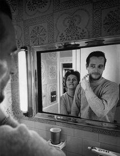 Paul Newman shaving