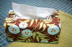 porta lenço  tutorial aqui: http://kirinote.blogspot.com.br/2007/09/kirin-tutorial-factory-tissue-box-cover.html