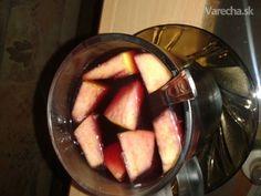 Vianočný punč - recept | Varecha.sk Eggplant, Rum, Peach, Vegetables, Drinks, Food, Kitchen, Drinking, Peaches
