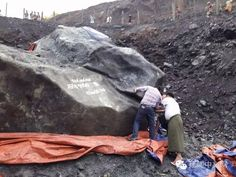 Burma found nearly 200 tons of jade stone has 2 big house
