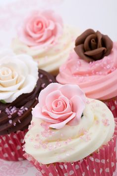 Photo about Cupcakes for a wedding, decorated with sugar roses. Image of flower, frosting, bakery - 11640415 Flowers Cupcakes, Cupcakes Cool, Cupcakes Flores, Beautiful Cupcakes, Sweet Cupcakes, Wedding Cupcakes, Pink Cupcakes, Floral Cupcakes, Wedding Cake