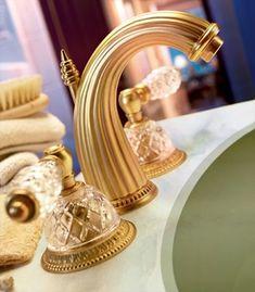 THAI BRASS PIG Water Faucet Spigot Garden Ball Valve Tap Vintage Home Decorate
