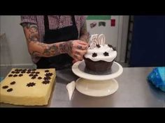 Create a giant cup cake - YouTube