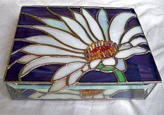 Stained Glass Jewelry Box WHITE DAISY by glassmagic on Etsy This jewelry box measures x x high. It features beveled sides and a mirrored bottom, for optimum reflections. A dainty chain holds the hinged box lid securely when opened. Dragonfly Stained Glass, Making Stained Glass, Stained Glass Flowers, Faux Stained Glass, Stained Glass Lamps, Stained Glass Designs, Stained Glass Projects, Stained Glass Patterns, Stained Glass Windows